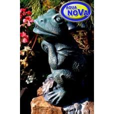 Садовая фигурка фонтан АкваНова Сидящая лягушка