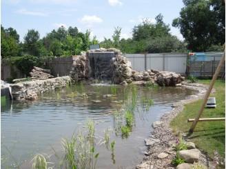 Плавательный биопруд с декоративным водопадом с. Бортничи