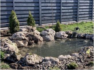 Cадовый прудик на участке с водопадом из полевого камня г. Вышгород